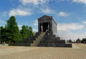 Monument to The Unknow Hero Avala