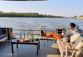 Relaxing on Belgrade rivers