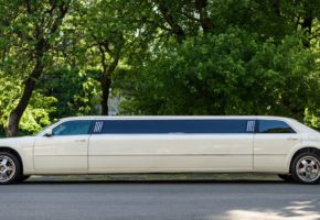 Chrysler 300c limo rent