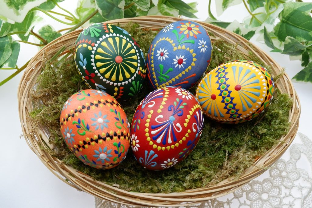 easter-eggs-serbia-decoration