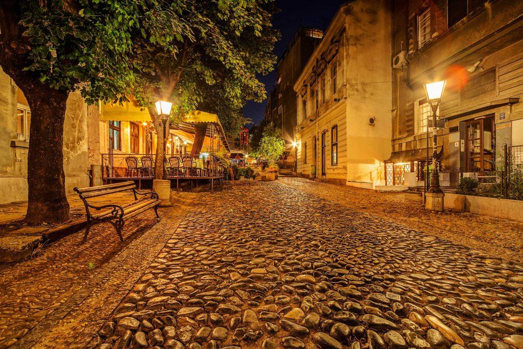 vintage-skadarska-street-in-skadarlija-main-bohemian-quarter-of-belgrade-serbia