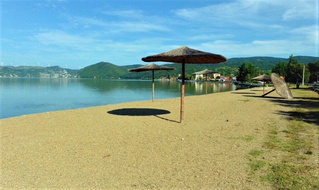 golubac-beach