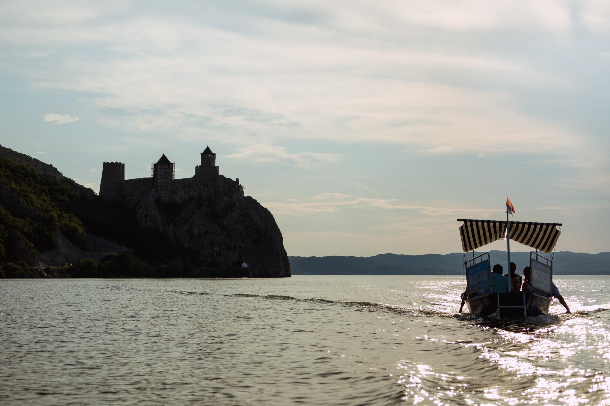 golubac-boat