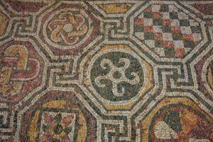felix-romuliana-mosaic