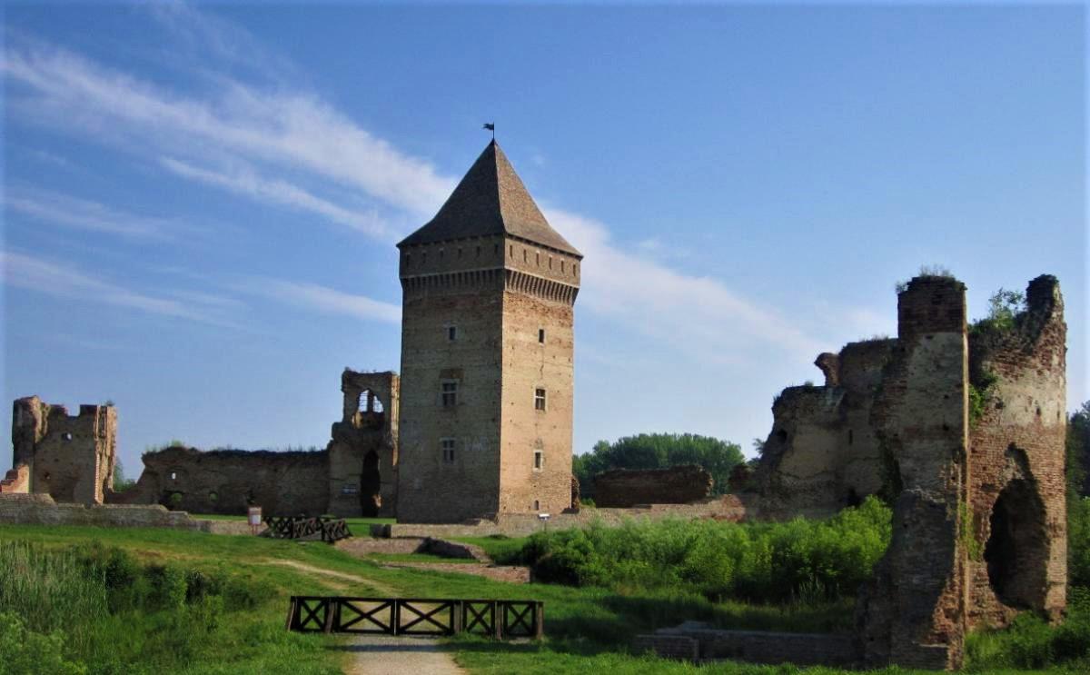 bač-fortress-1