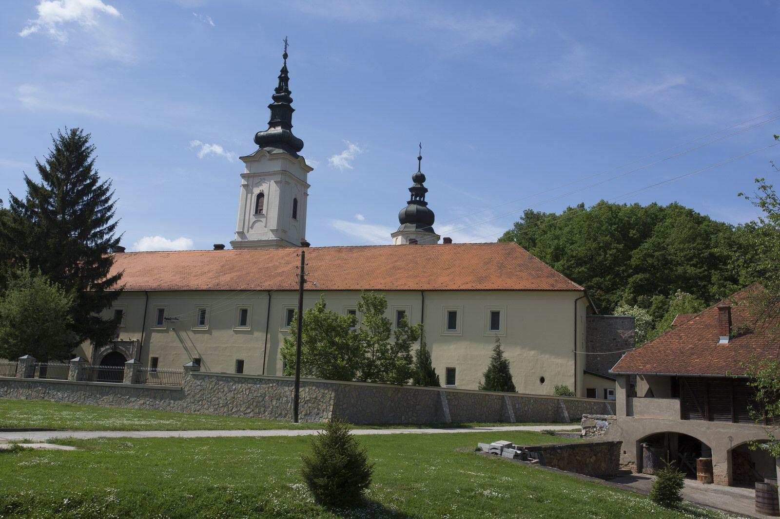 jazak-monastery-1