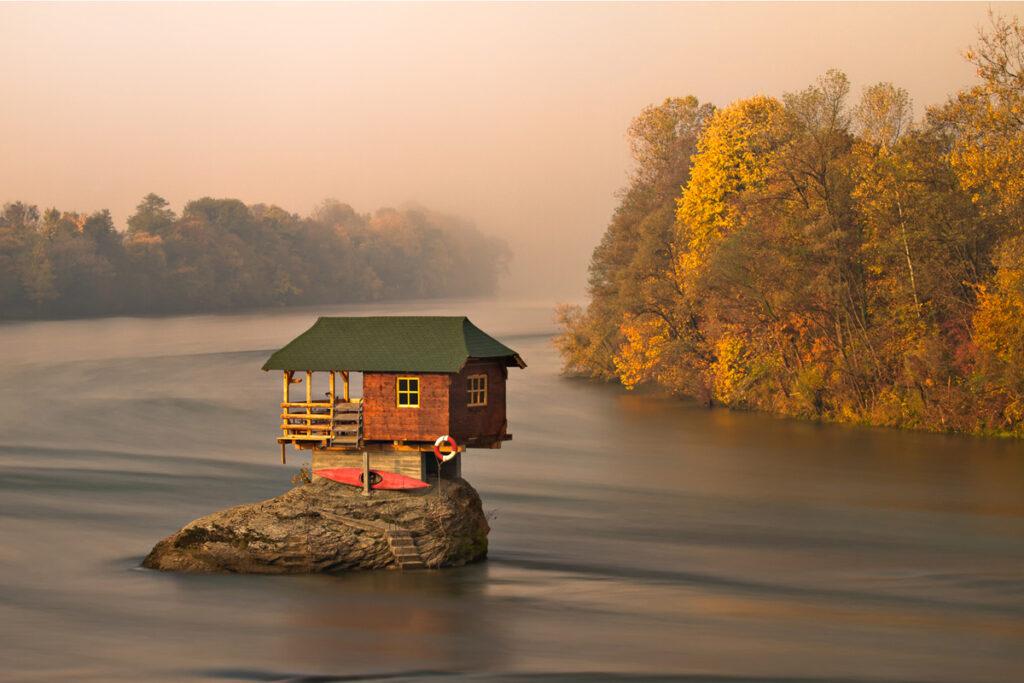drina-river-house-1