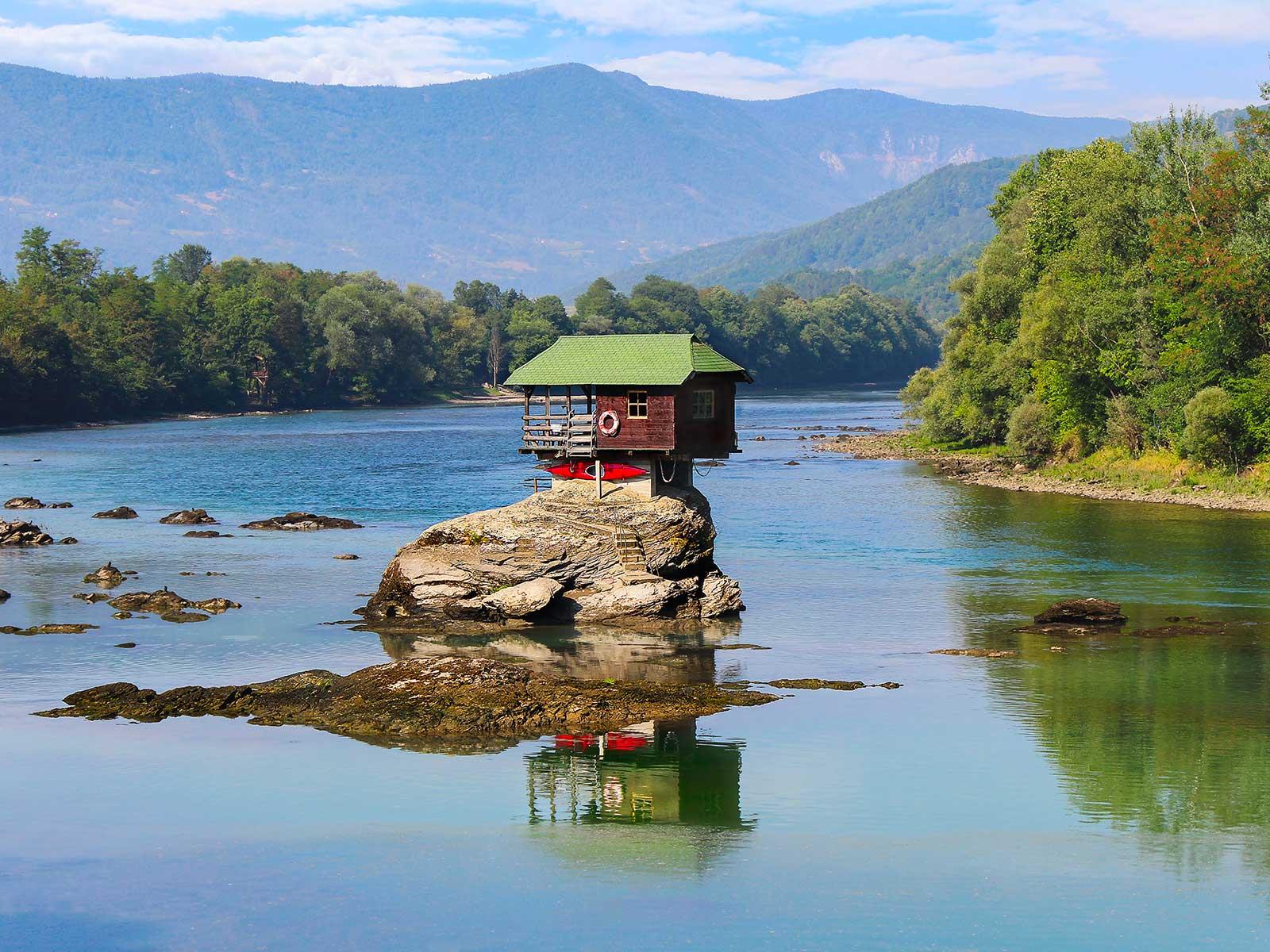 drina-river-house