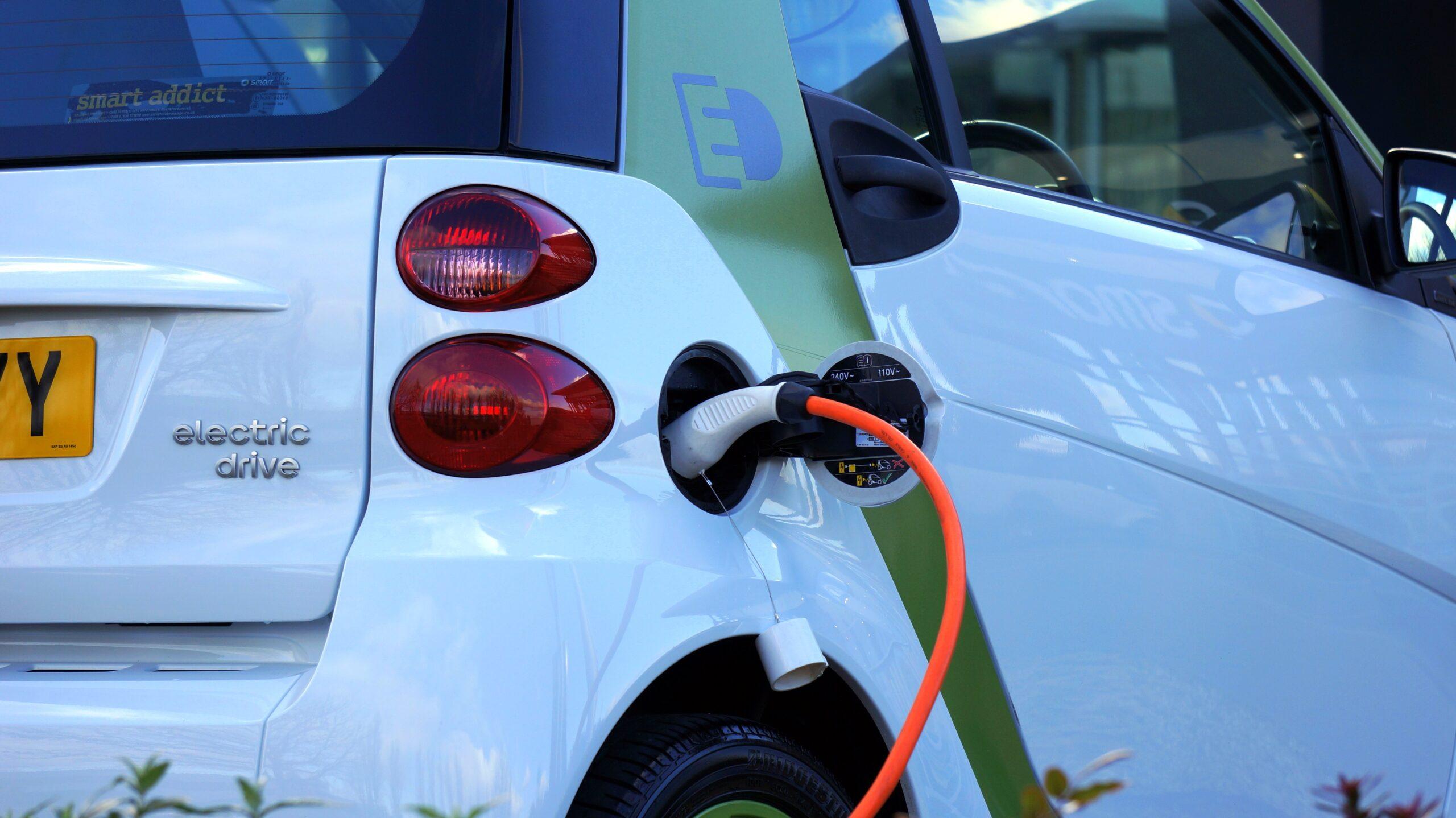 electric-car-in-belgrade