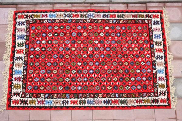 pirot-carpet