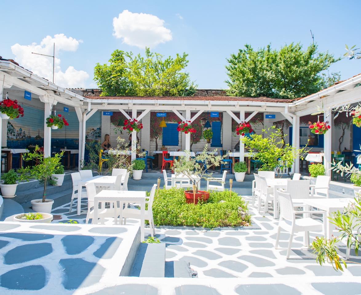 greek-tavern-piatakia