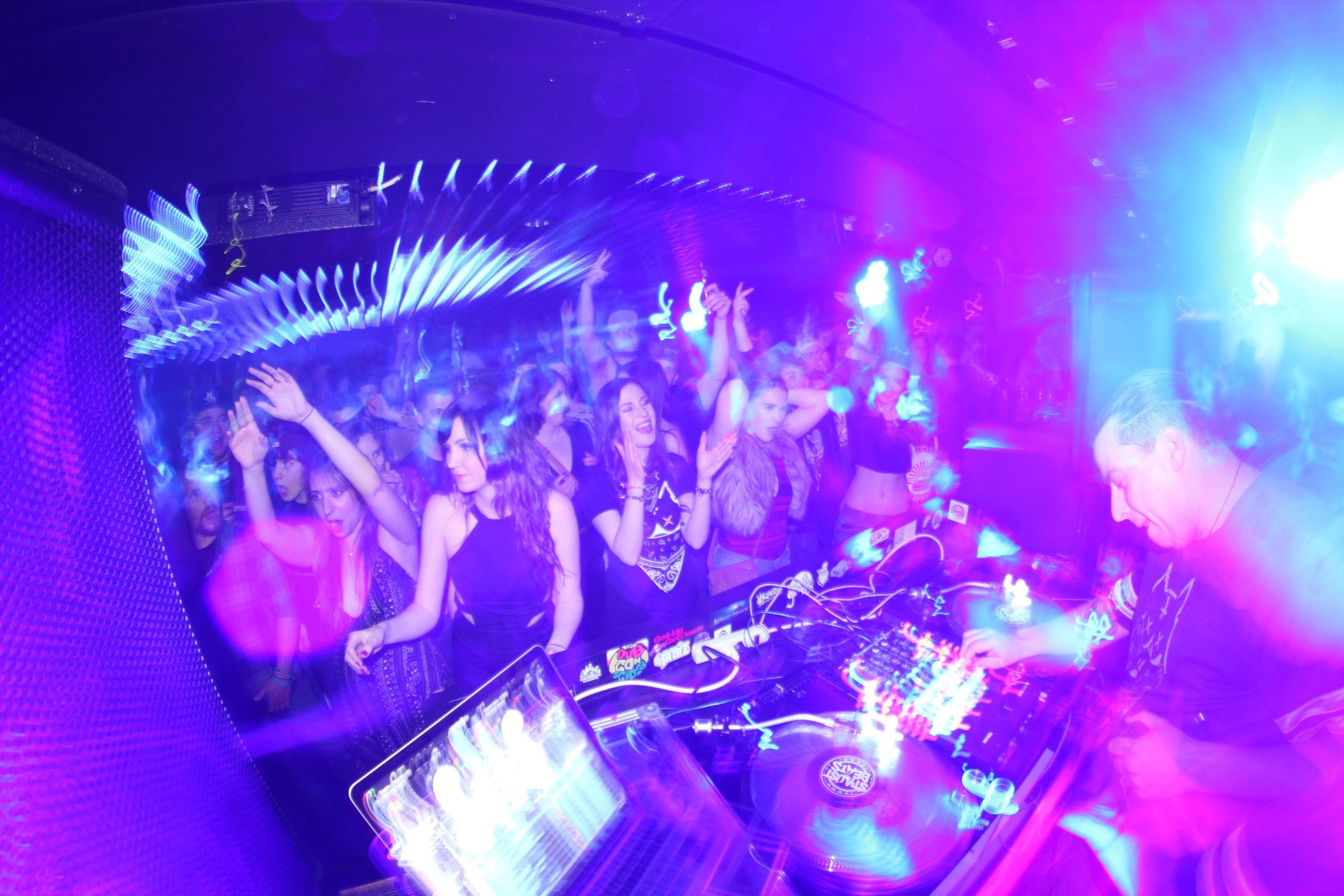 nightlife-club-dancing